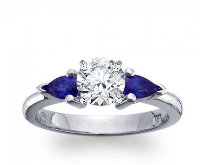 anello-in-oro-bianco-con-diamante-da-1-ct-e-zaffiri-1000x800.jpg